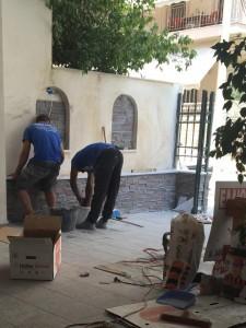 Τοποθέτηση πέτρας σε διαμέρισμα - Siarampis