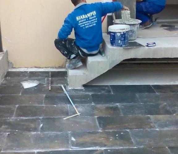 Τοποθέτηση πλακιδίων από το συνεργείο New Home Constructions
