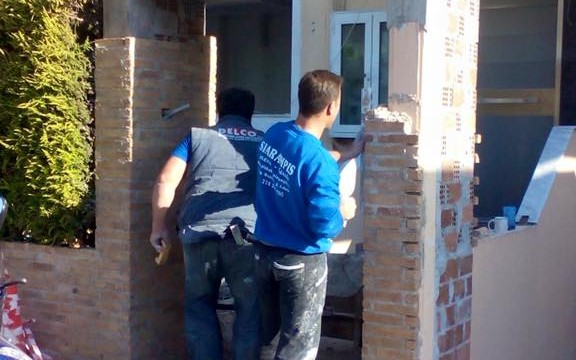 Τοποθέτηση επένδυση πέτρας από το συνεργείο New Home Constructions τηλ 210-2481000