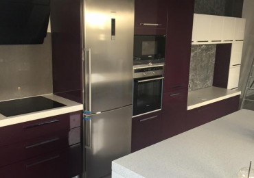 Τοποθέτηση κουζίνας από την εταιρεία New Home Constructions